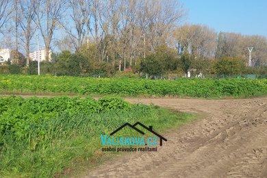 Prodej pozemků v Hulíně, 380 m², Ev.č.: 01235