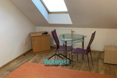 Nabízí, pronájem, byty 1+kk Moravcova, Kroměříž, Ev.č.: 01231