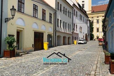 nabízí, pronájem, rodinné domy 4+1, Kroměříž, Ev.č.: 01239