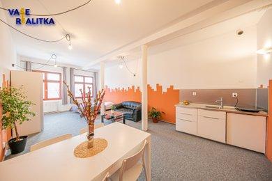 Pronájem, byt 1+kk, Hranice, Masarykovo náměstí, Ev.č.: 00834