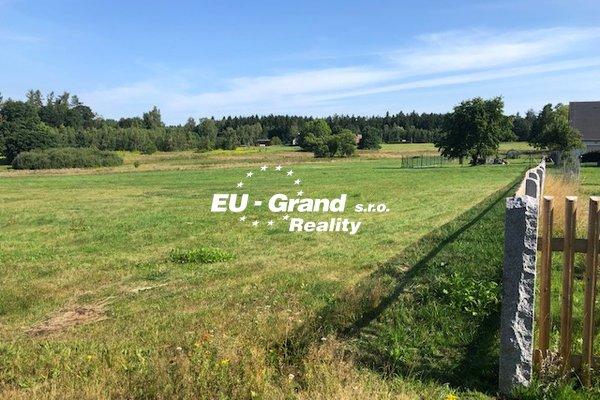 Prodej pozemků ve stavebním pásmu Dolní Křečany