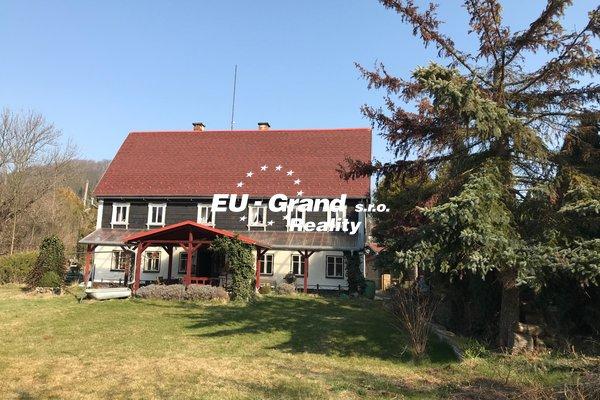 Prodej RD s dvougaráží - Varnsdorf