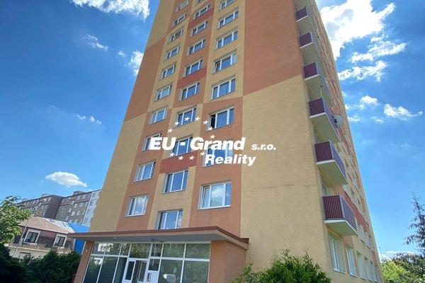 Nabízí prodej, byty 1+KK Tuklatská, Praha 10