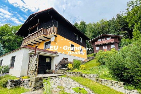 Prodej dvou rodinných domů v Dolním Podluží