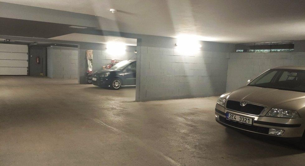 parkovací stání 2