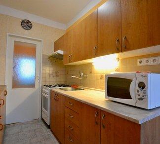 Pronájem zařízeného prostorného bytu 3+1 s lodžií - Kuřim