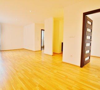 Pronájem krásného ateliéru v Polyfunkčním domě Fryčajova 29, Byt 3+kk, 74 m²