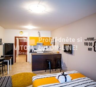 Pronájem plně zařízeného bytu, 1+kk, 41m² s terasou
