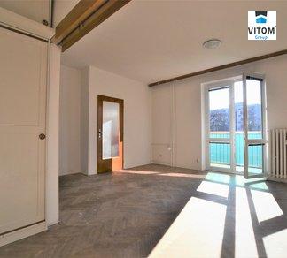 Pronájem bytu 1+1, 41,5m²  s výtahem a prostorným balkónem s výhledem do zahrady- Brno - Veveří