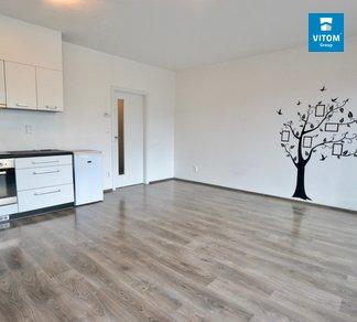 Pronájem moderního bytu 1+kk, 43 m² s parkovacím stáním v ceně, ulice Gajdošova, Brno-Židenice