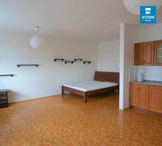 Podnájem prostorného bytu 1+kk, 45m² s balkonem, Tomečkova, Brno - Lesná