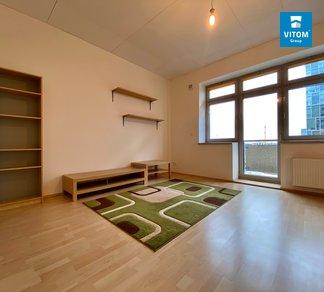Podnájem bytu 1+kk, parkování, Českomoravská 1181/21, Praha - Libeň.