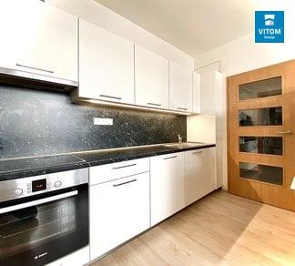 Podnájem nového, světlého bytu 2+kk, 42m², dva balkóny + parkovací stání, Rybářská