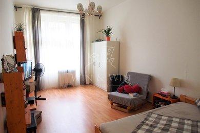 Prodej, Byty 2+1, 71m² - Praha - Karlín, Ev.č.: 00360