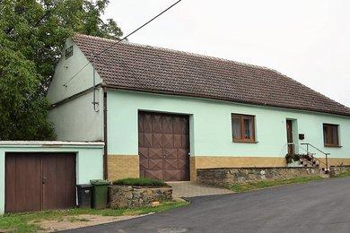 Prodej rodinného domu 3+1 v Božicích, Ev.č.: 00212