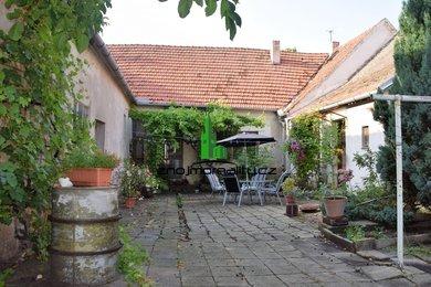 Prodej rodinného domu v  Božicích, Ev.č.: 00313